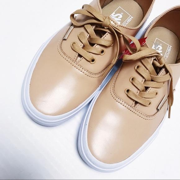abea4092712 Vans - Nude Classic Sneakers